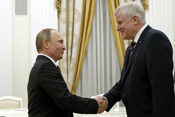 Ruský prezident Vladimir Putin a líder CSU Horst Seehofer.