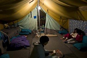 Nekonečné čakanie v táboroch sa prejavuje na psychike utečencov.