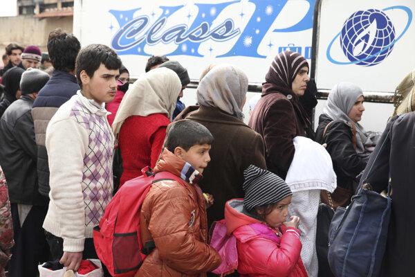 Autobusy z al-Wairu smerovali do mesta Tadaf v provincii Aleppo.