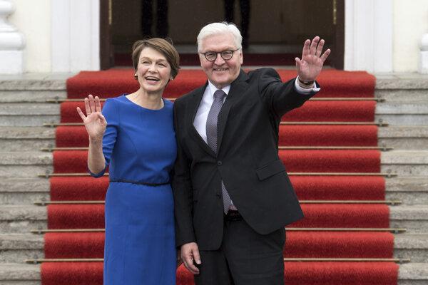 Frank-Walter Steinmeier s manželkou Elke Buedenbenderovou.