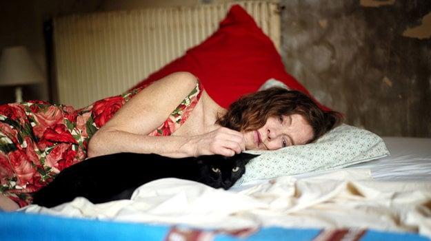 Isabelle Huppert vo filme Začať odznova.