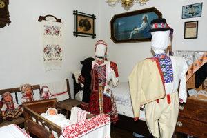 V múzeu v Dačovom Lome.