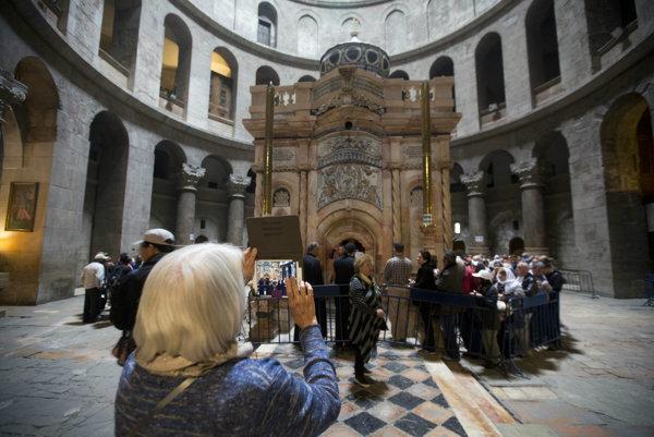 Ježišová hrobka je súčasťou Baziliky Božieho hrobu v jeruzalemskom Starom meste.