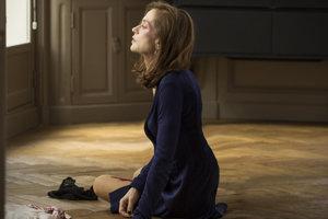 Isabelle Huppert vo filme Elle.