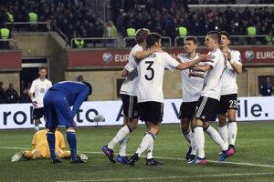 Futbalisti Nemecka s prehľadom potvrdili úlohu favorita.