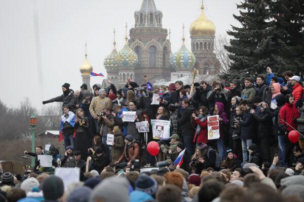 Protesty v Petrohrade.