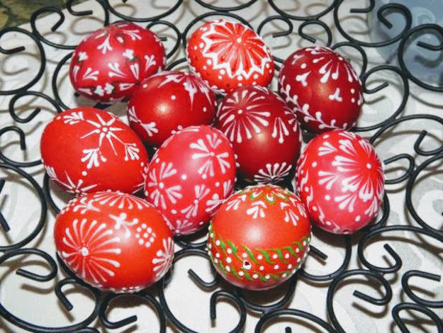 Veľkonočné vajíčka zdobené voskom