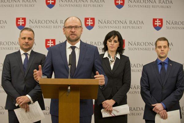 Na snímke zľava Juraj Droba, Richard Sulík, Renáta Kaščáková a Martin Klus.