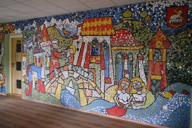Mozaika na obecnom úrade.