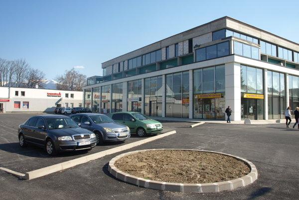 Bývalý dom služieb najprv kúpili Popradčania, teraz horekonštruuje bratislavská spoločnosť.