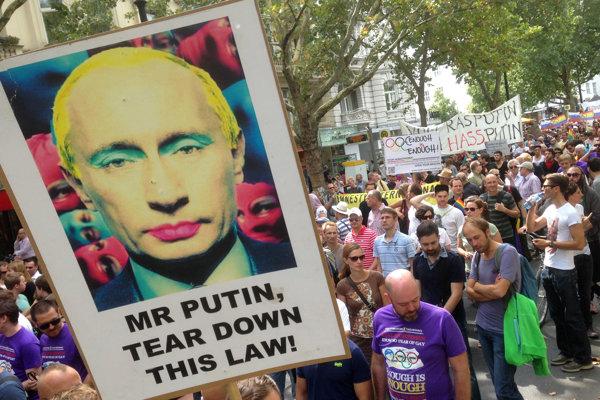 Putinove karikatúry sa objavovali aj na proteste v Berlíne.