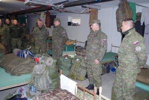 Tri mesiace strávia vojaci z levickej posádky v pobaltskej krajine.