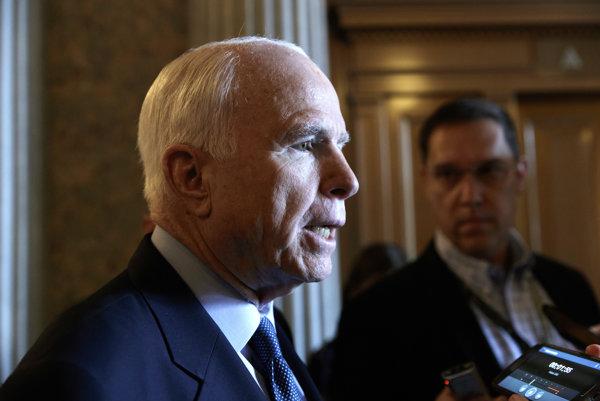 Americký republikánsky senátor John McCain.