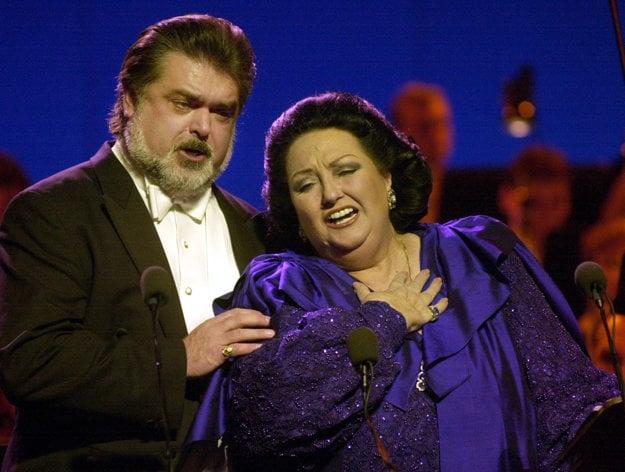 V decemberi 2009 sa v priestoroch Slovenského národného divadla v Bratislave uskutočnil galakoncert slávnej opernej hviezdy Montserrat Caballé a Petra Dvorského.