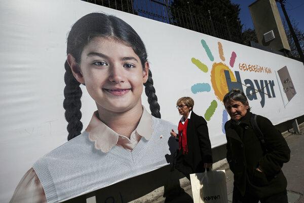 Hlasujte nie, pre budúcnosť našich detí, vyzývajú odporcovia prezidenta Erdogana.