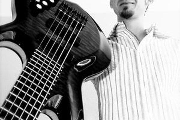 Z Prievidžana sa stal uznávaný hudobník.