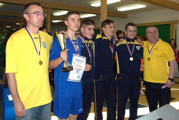 Zľava: Alexander Šimon, Viliam Mag, Erik Gallo, Daniel Mihali, Patrik Pál a Ladislav Flachbart.