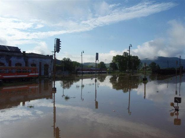 Vyplavilo aj železničnú stanicu.