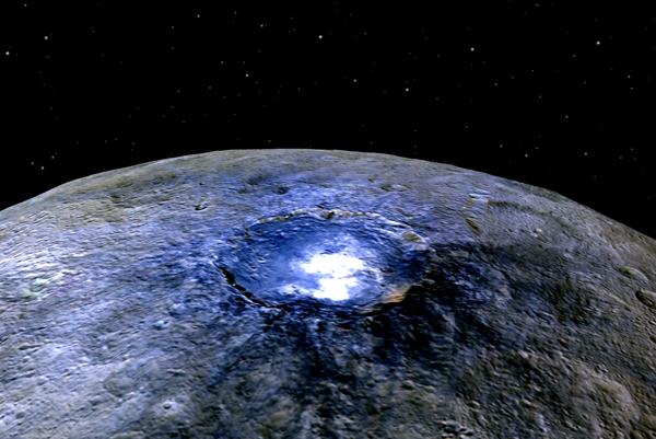 Kráter Occator vo falošných farbách.