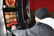 Dva automaty vLokci budú môcť hráči využívať len do konca tohto roku.