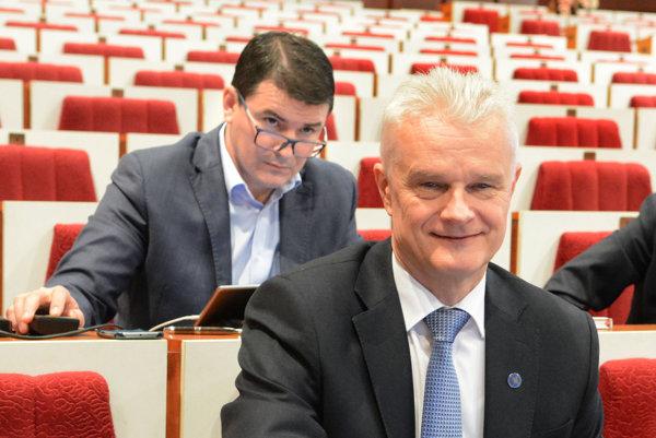 Ján Jakubov. Poslanec bude pokračovať vdozornej rade Kositu aj vnasledujúcom období.
