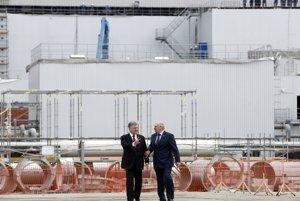 Ukrajinský prezident Petro Porošenko a bieloruský prezident Alexander Lukašenko.