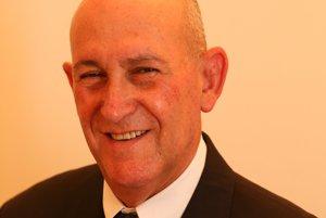 Rami Efrati je bývalý Riaditeľ civilnej divizíie Izraelského národného kybernetického úradu a zakladateľ spoločnosti Firmitas Cyber Solutions, ktorá sa venuje technologickému zabezpečeniu kritickej infraštruktúry a internetu vecí.
