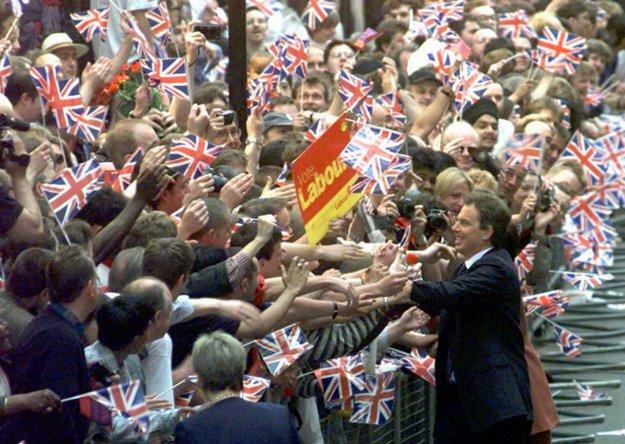 Tony Blair ako čerstvý britský premiér 2. mája 1997.