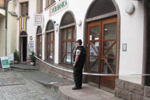 Polícia potvrdila prepad VÚB banky.