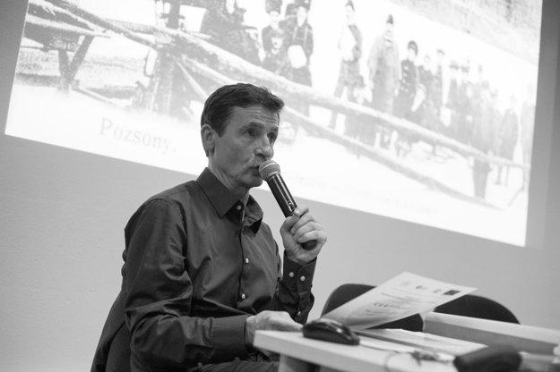Igor Machajdík na prednáške OZ Bratislavských rožkov.