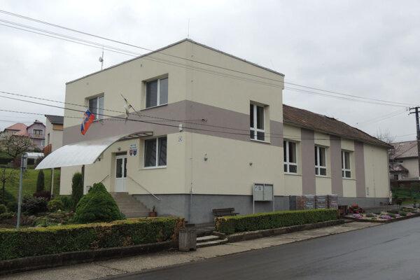 Obecný úrad v Dolnej Trnávke.