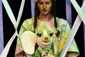 Výsledok vyhľadávania obrázkov pre dopyt bábkové divadlo košice sloník