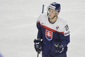 Martin Gernát (Slovensko) sa teší po góle do dánskej siete.
