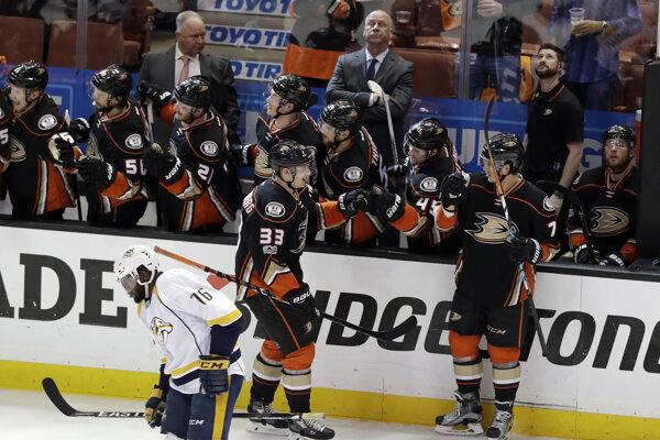 Aneheim Ducks vyhrali druhý domáci zápas proti Nashvillu.
