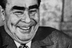 Aj L.I. Brežnev čaká v antikvariáte na svoju príležitosť.