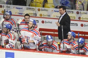 Vladimír Růžička (vpravo) je bývalým trénerom českej hokejovej reprezentácie.