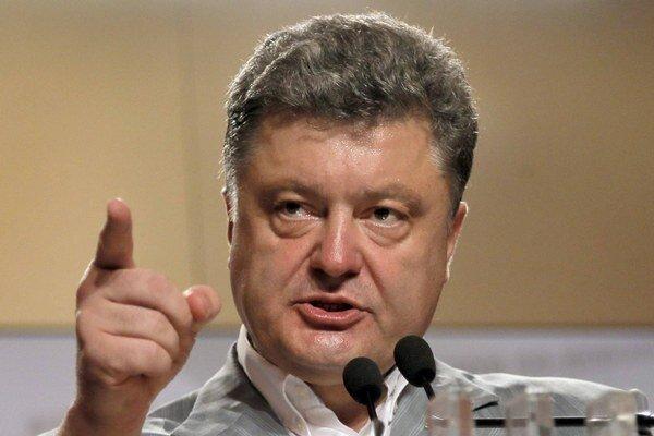 """Petra Porošenka pred rokmi opisovali ako """"oligarchu, ktorý sa sám zahanbil""""."""