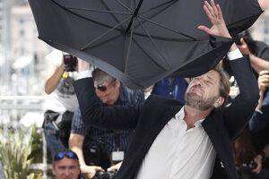Švédsky režisér Ruben Ostlund na festivale v Cannes.