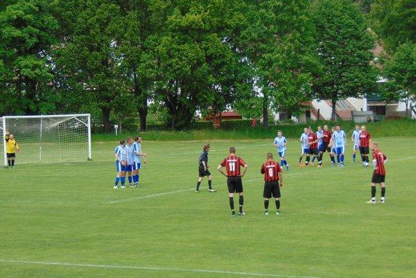Krajné (v modrom) strelilo Pobedimu šesť gólov.
