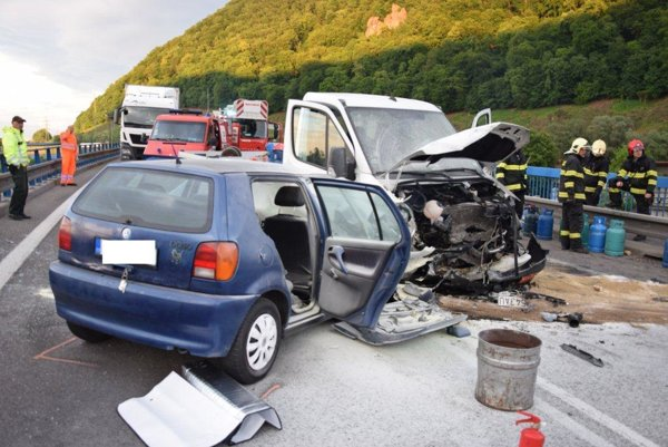 Nehoda pod Pustým hradom.