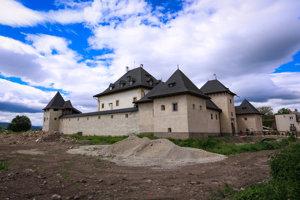 Nedávno obnovený Vodný hrad je jedným z lákadiel obce.