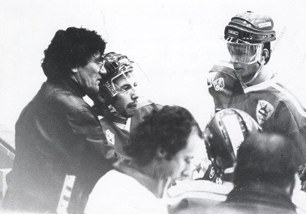 Pohľad do histórie: zľava tréner Nitry Miklošovič, Martin Miklík a mladý Juraj Štefanka.