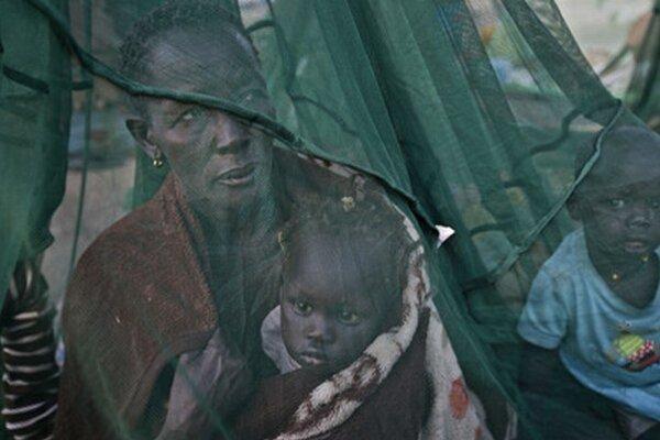 V konflikte už zahynuli tisíce ľudí a vyše milióna prišlo o strechu nad hlavou.