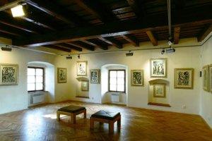 Galéria Kolomana Sokola sa nachádza v historických priestoroch Pongrácovskej kúrie v centre Liptovského Mikuláša na Námestí osloboditeľov.