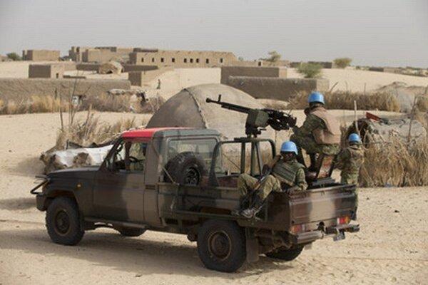 Mierotvorcovia OSN hliadkujú na okraji Timbuktu.