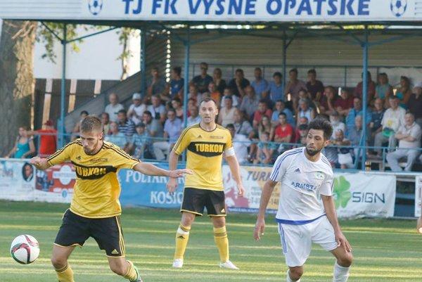 Najvyššiu kvalitu medzi regionálnou elitou ponúkajú Trebišov aVyšné Opátske. Tieto kluby sú ozdobou tretej ligy, čo dokazujú dlhodobo. Trebišov má namierené do celoslovenskej súťaže.