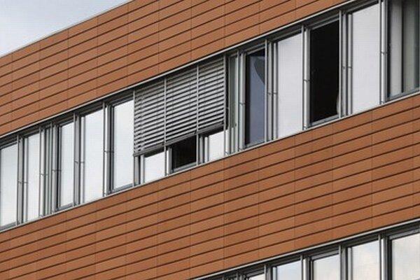 Okno právnickej kancelárie v Düsseldorfe.