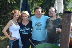 Do súťaže vo varení gulášu sa zapojila aj redakcia MY Topoľčianske noviny Dnešok.