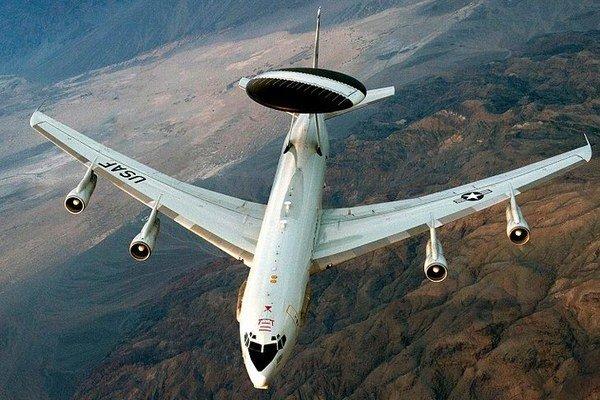 Boeing E-3 Sentry (AWACS).