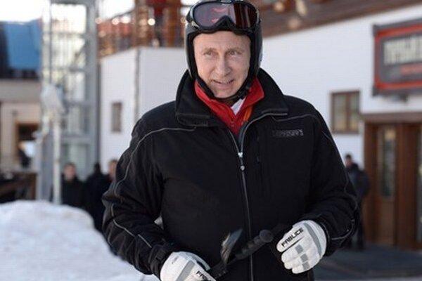 V Soči si v piatok zalyžoval aj ruský prezident Vladimir Putin.